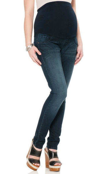 Your Guide to Buying Maternity Jeans