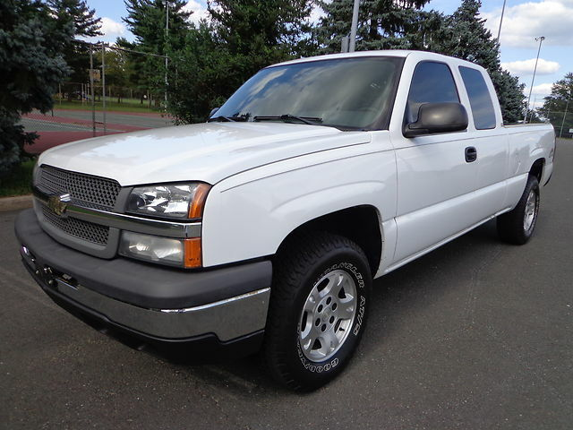 2004 chevy silverado 1500 extended cab 4x4 pickup v 8 auto no reserve auction used chevrolet. Black Bedroom Furniture Sets. Home Design Ideas