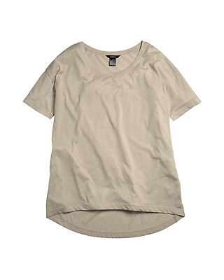 Fitted vs. Loose T-shirts