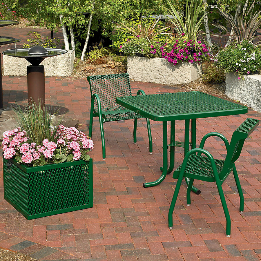 Best Tables for Outdoor Use