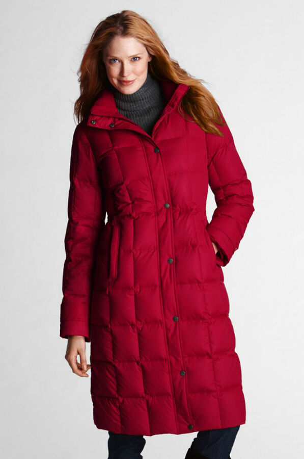 Ahead, 10 cozy parkas to weather the storm, including Canada Goose's famous Snow Mantra parka, a.k.a. the warmest coat in the world. Bomb cyclones = search for the warmest coat in the world. Fashion.