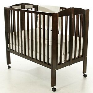 your guide to buying a portable crib