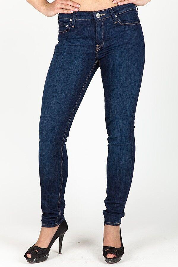 Worauf Frauen beim Jeanskauf achten sollten