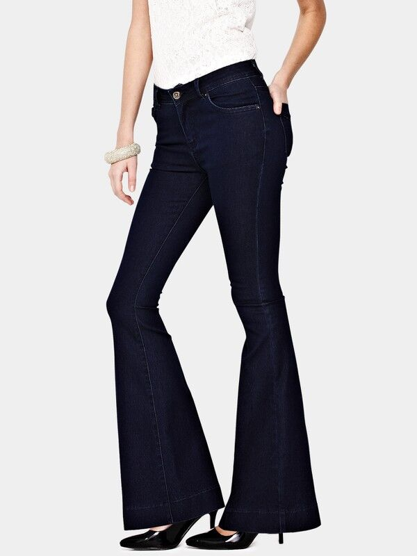 How to Style Jeans for a Night Out