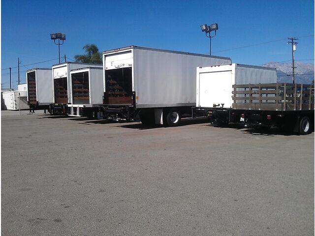 07 Isuzu NPR Utility Truck Service Body Rack 12ft Flat Bed Plumber Diesel Box