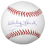 How to Determine the Value of an Autographed Baseball
