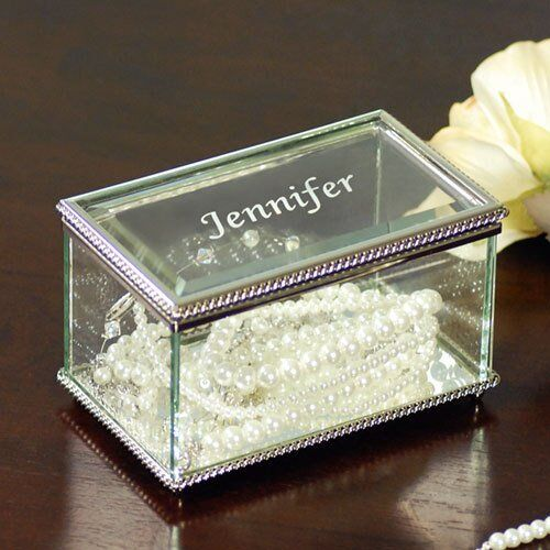 How to Buy a Glass Jewellery Box