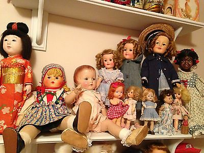 SHIRLEY'S DOLL HOUSE AND TREASURES