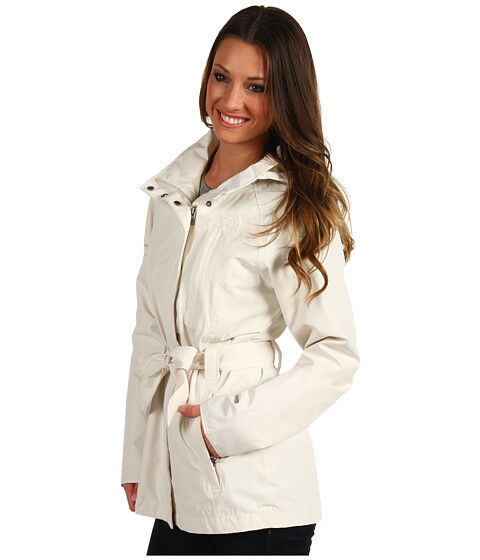 Top 5 Essential Coats and Jackets for Every Woman