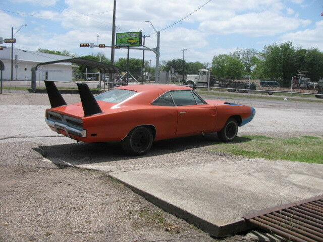 1970 Dodge Charger 69 Daytona clone ac,auto.Lots of parts nose/wing ...