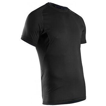 Fitness-Oberteile für Männer: Modische Shirts und Tops für die gute Figur schon im Training!