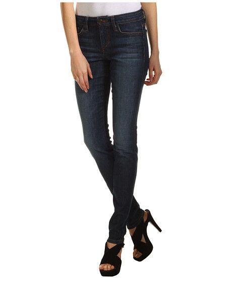 5 Tips to Buying the Most Flattering Jeans