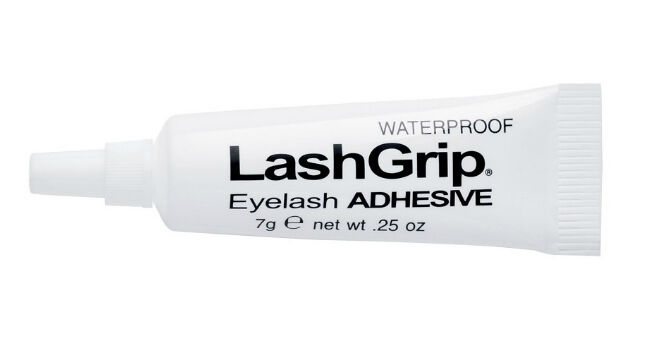 Your Complete Guide to Buying Eyelash Adhesive