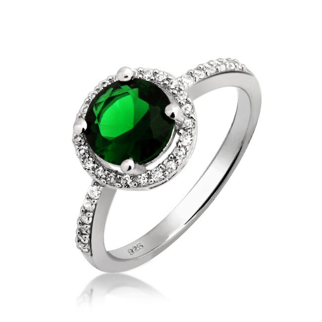 Emerald Engagement Ring Buying Guide