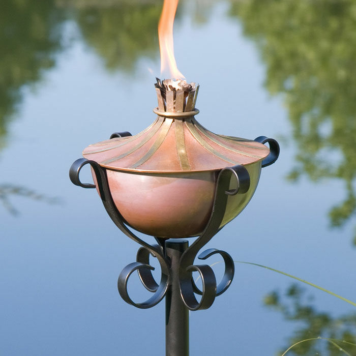 How to Buy Garden Torches