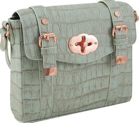 Your Guide to Buying a Designer Handbag