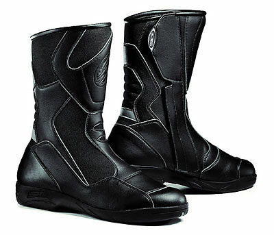 How to Buy Motorbike Boots on eBay