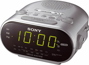 SONY ICF-C318 FM/AM CLOCK RADIO