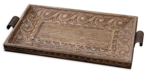 Mit antiken Schüsseln und Trögen altes Bäckerhandwerk bewahren