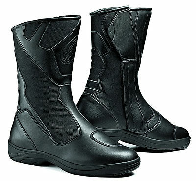 Dos and Donts of Buying Motorbike Boots | eBay