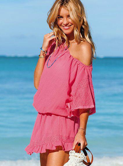 Für das Café del mar-Feeling: Modische Strandkleider für Badestrand & Urlaub