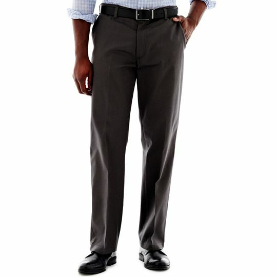 Der neue Herrenmodetrend: Flatfronthosen zum Anzug und fürs Büro