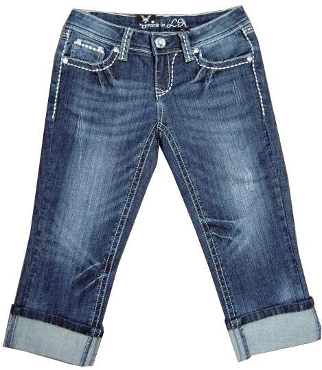 Sonne steht ihnen besonders gut: modische Capri-Jeanshosen in trendigen Schnitten