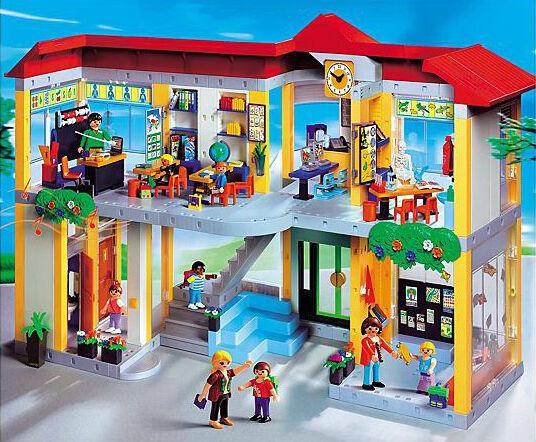 Gebäude, Maschinen und Schilder – Playmobil City Life Bau für angehende Ingenieure