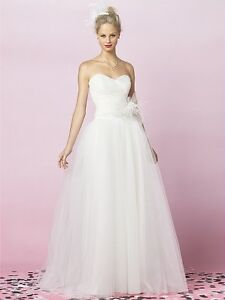 How to buy a wedding dress on a budget ebay for Best wedding dress for big hips