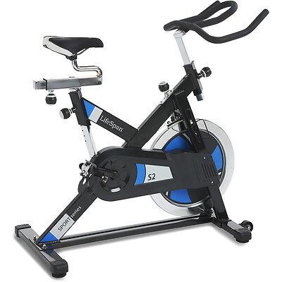 Ratgeber Indoor-Cycling: hilfreiche Tipps zu Workouts und Ausrüstung