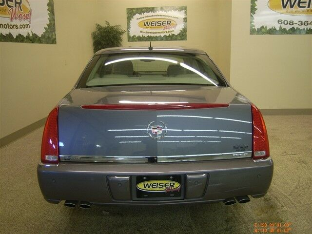 Used Cadillac DTS 2007 for