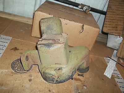 John Deere 520 530 Air Cleaner Bracket B3556r