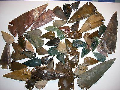 6 Pfeilspitzen bzw. Speerspitzen aus Achat gestaffelt zwischen 2cm und 11cm