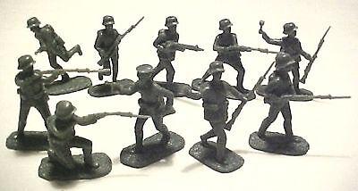 20 WWI German Infantry in Stahlhelm helmets AIP plastic soldiers army men # 5402