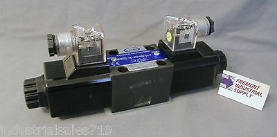 D03 Hydraulic Solenoid Valve 4 Way 3 Position Motor Spool 12 Volt Dc
