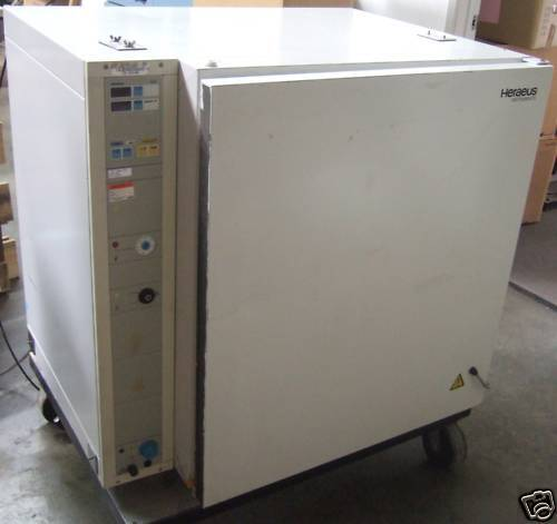 Heraeus Series 6000 Gas Jacketed CO2 Incubator