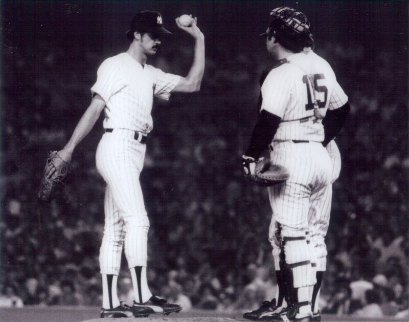 NY Yankees Thurman Munson with Ron Guidry on the mound B/W  8x10 photo