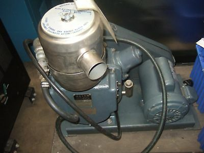 Welch Duo Seal Two Stage High Vacuum Pump Model 1397 R Industrial