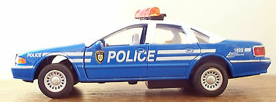 - CHEVROLET CAPRICE Diecast POLICE CAR - NYPD - 1:43 - O-Scale - Kinsmart - NOS!