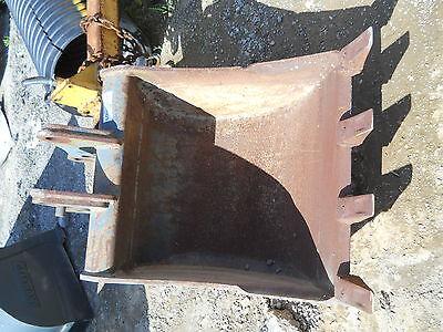 Komatsu Pc75 Excavator Bucket 28