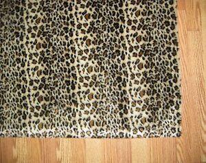 FAUX FUR CHEETAH PRINT ACCENT RUG 3' x 5' low pile soft with cushion back