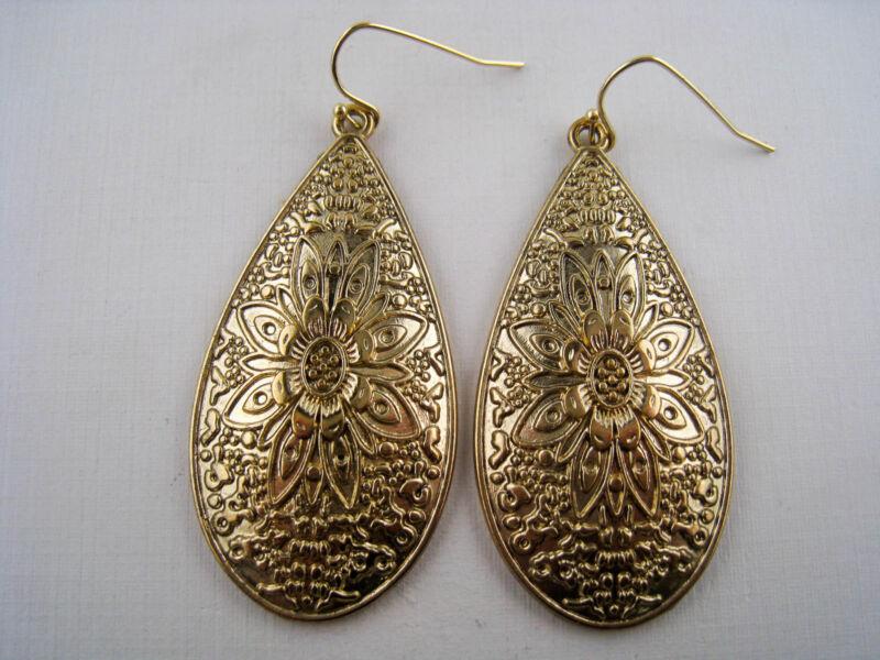 Vintage Style Dangling Goldtone Flower Design Teardrop Earrings