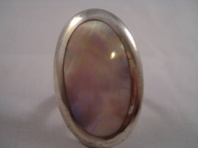 - VINTAGE ABALONE **MOTHER OF PEARL** RING #JPS28