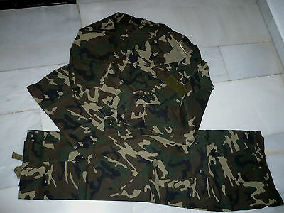 ROPA TIPO MILITAR TRAJE CAMUFLAJE AIRSOFT CAZA PESCA. TARNANZUG. CAMOUFLAGE SUIT