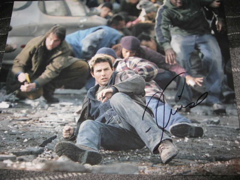 TOM CRUISE SIGNED AUTOGRAPH 8x10 PHOTO WAR OF THE WORLDS IN PERSON COA AUTO D