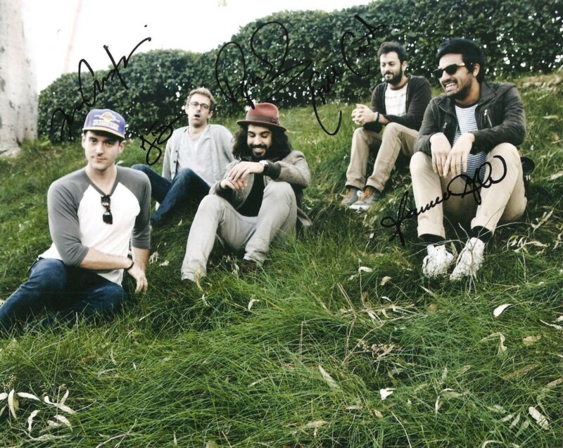 YOUNG THE GIANT SIGNED 8X10 PHOTO PROOF COA AUTOGRAPHED MY BODY COUGH SYRUP 2