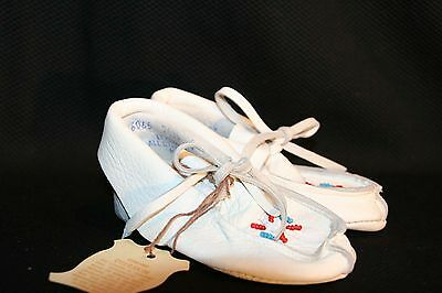 NEW INFANT Sz 4 WHITE BEADED Vtg 60s 70s LEATHER MOCCASIN DEERSKIN BABY Shoe