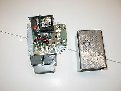 Honeywell R8184m Oil Burner Primary Control