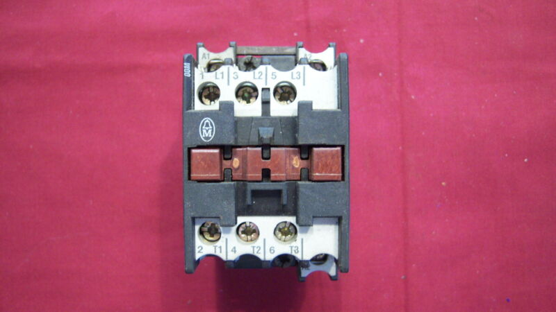 USED Moeller, DIL00M, Motor Contactor 3 phase, 3 pole, 20 amp open, 600 Vac