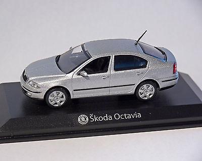 Skoda Octavia Limousine Silver 1:43 Norev